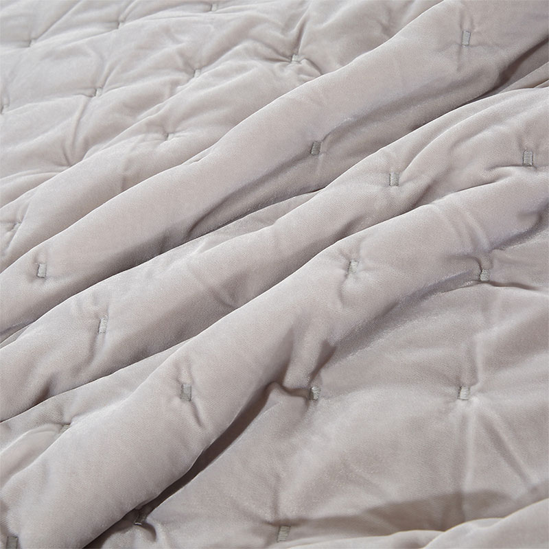 crystal fur embroidery comforter set