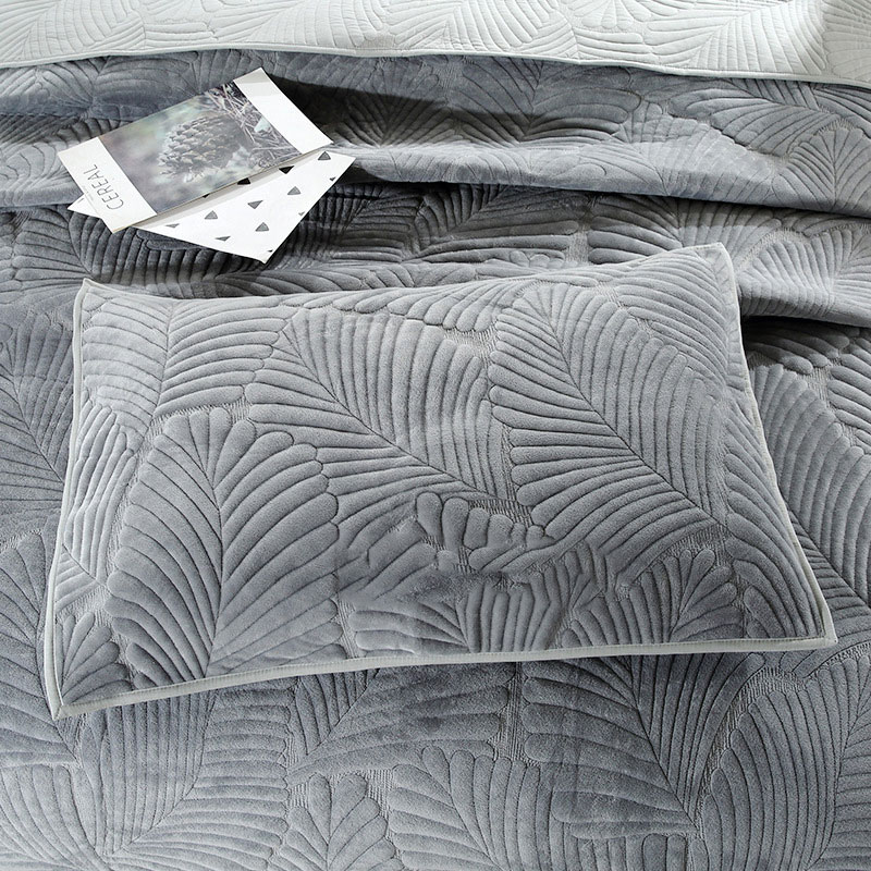 leaf embroidery flannel coverlet